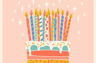 Персиковая картинка торт с горящими свечами.